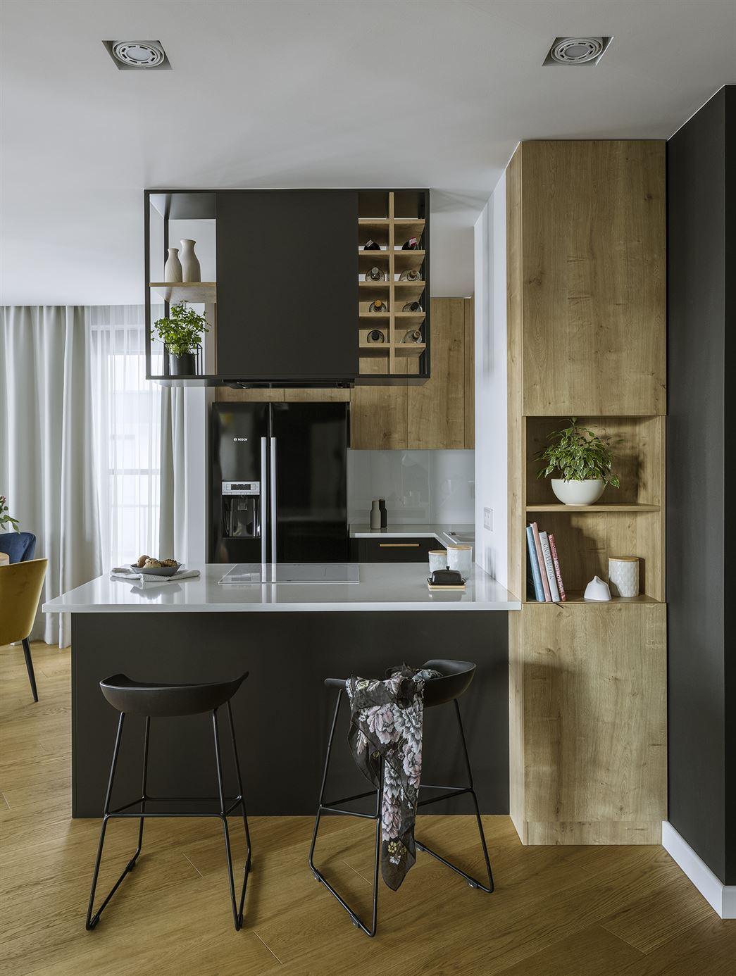 Projekt kuchni z wyspą w mieszkaniu w Warszawie