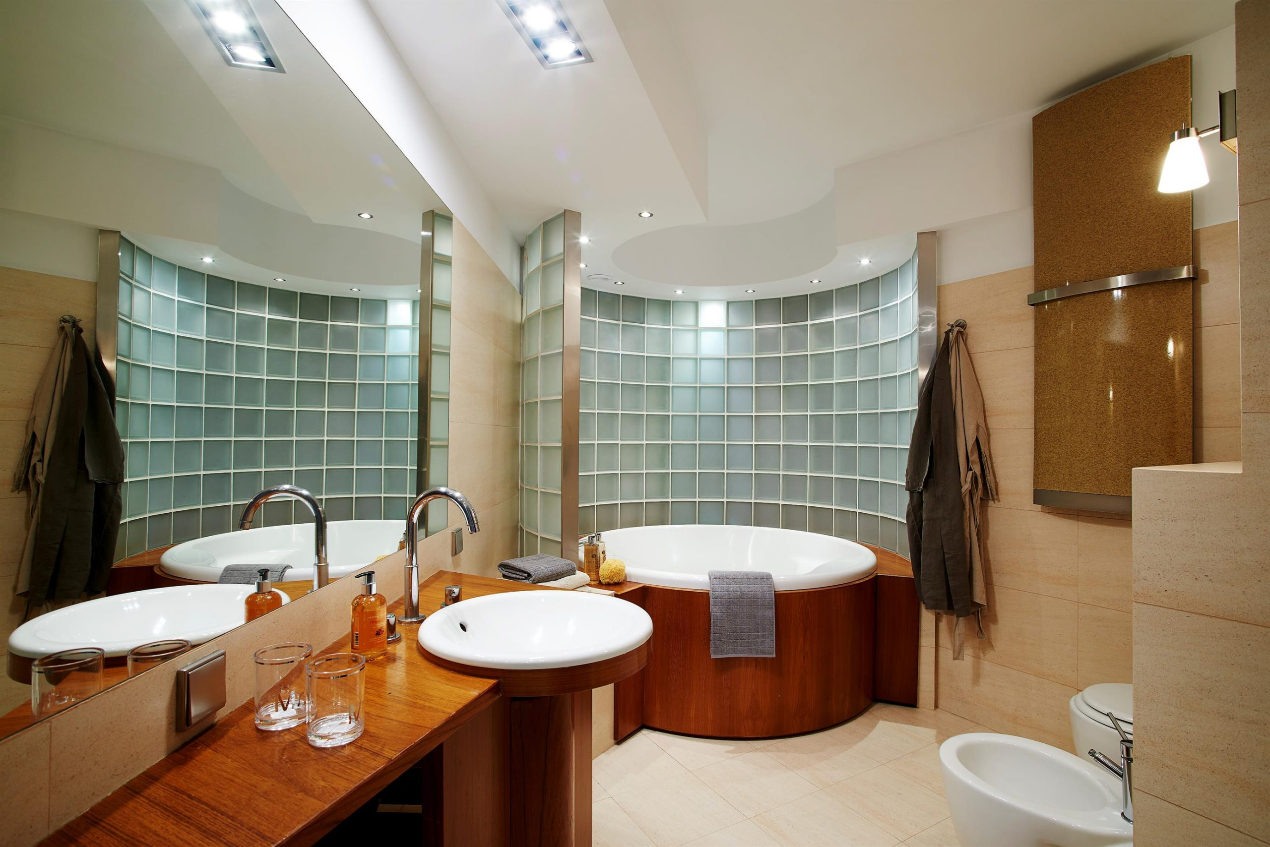 Home staging dużej łazienki na warszawskiej ochocie