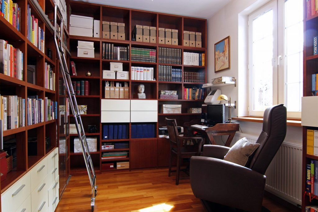 Home staging gabinetu w domu w Warszawie
