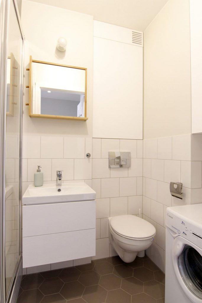 Home staging jasnej łazienki w mieszkaniu w Warszawie