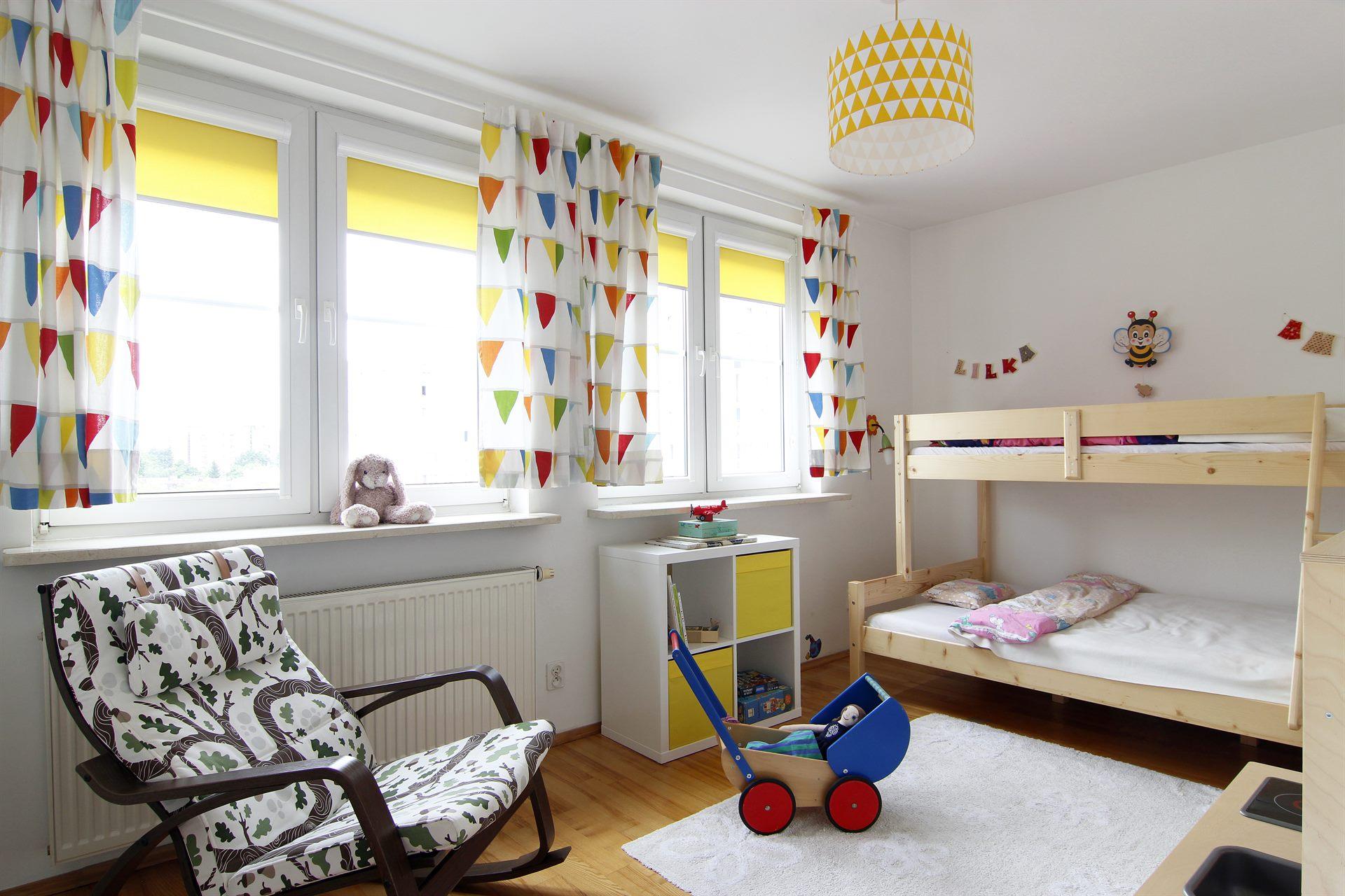 Home staging pokoju dziewczynek w mieszkaniu w Warszawie