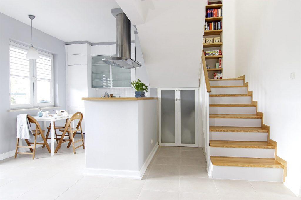 Home staging schodów w mieszkaniu w Warszawie