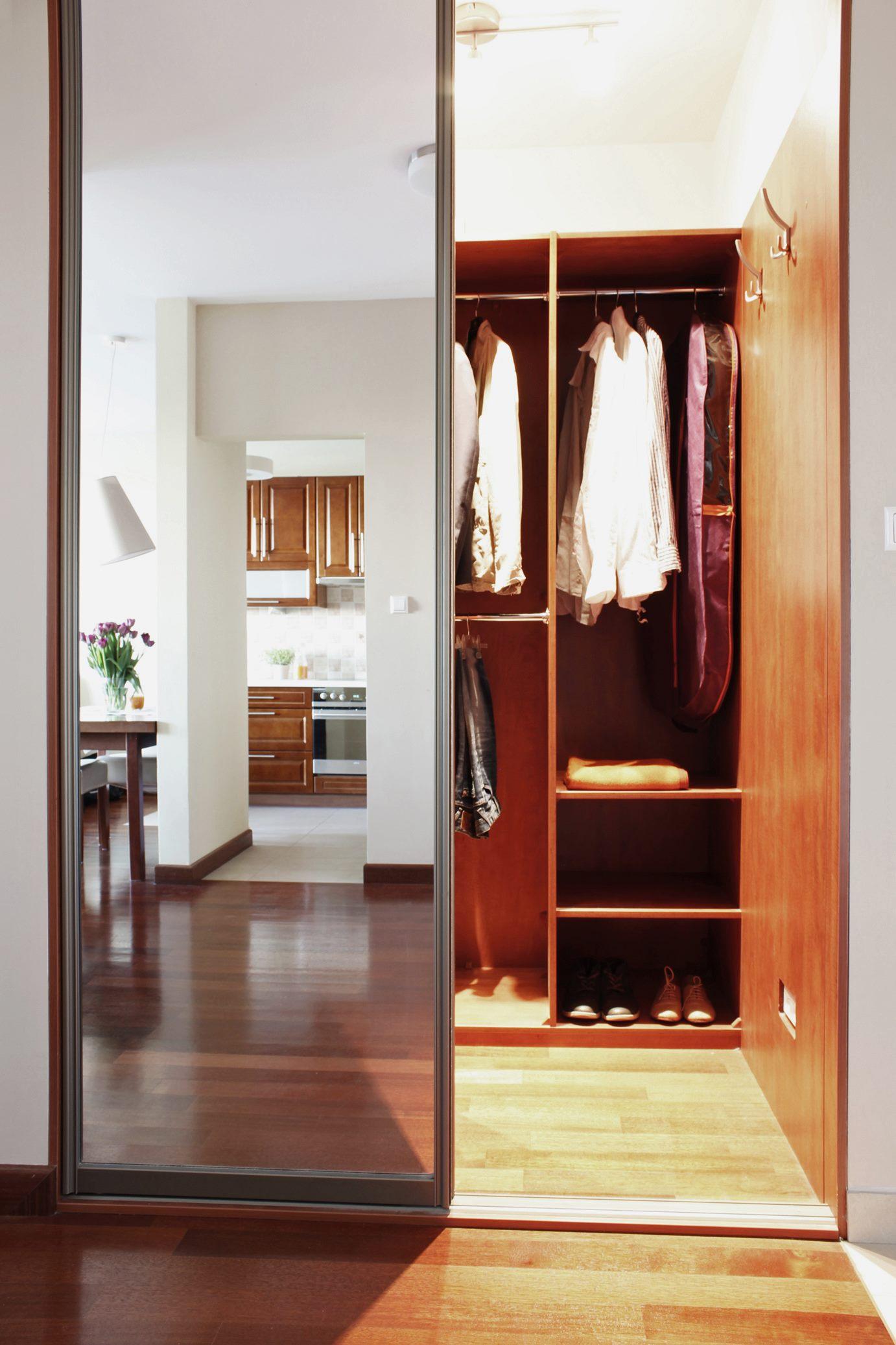 Home staging garderoby w mieszkaniu w Warszawie