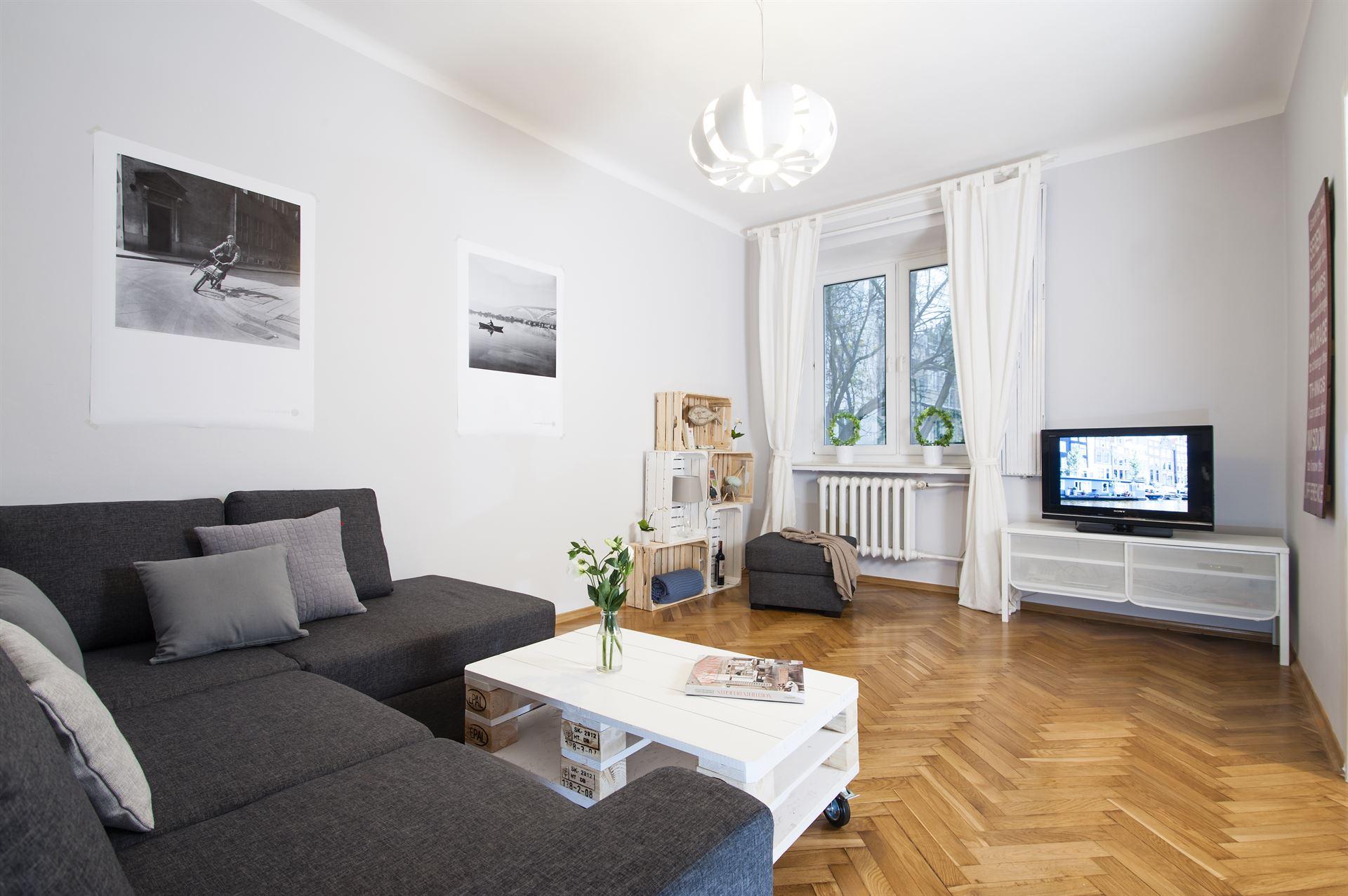 Home staging skandynawskiego salonu w mieszkaniu w Warszawie