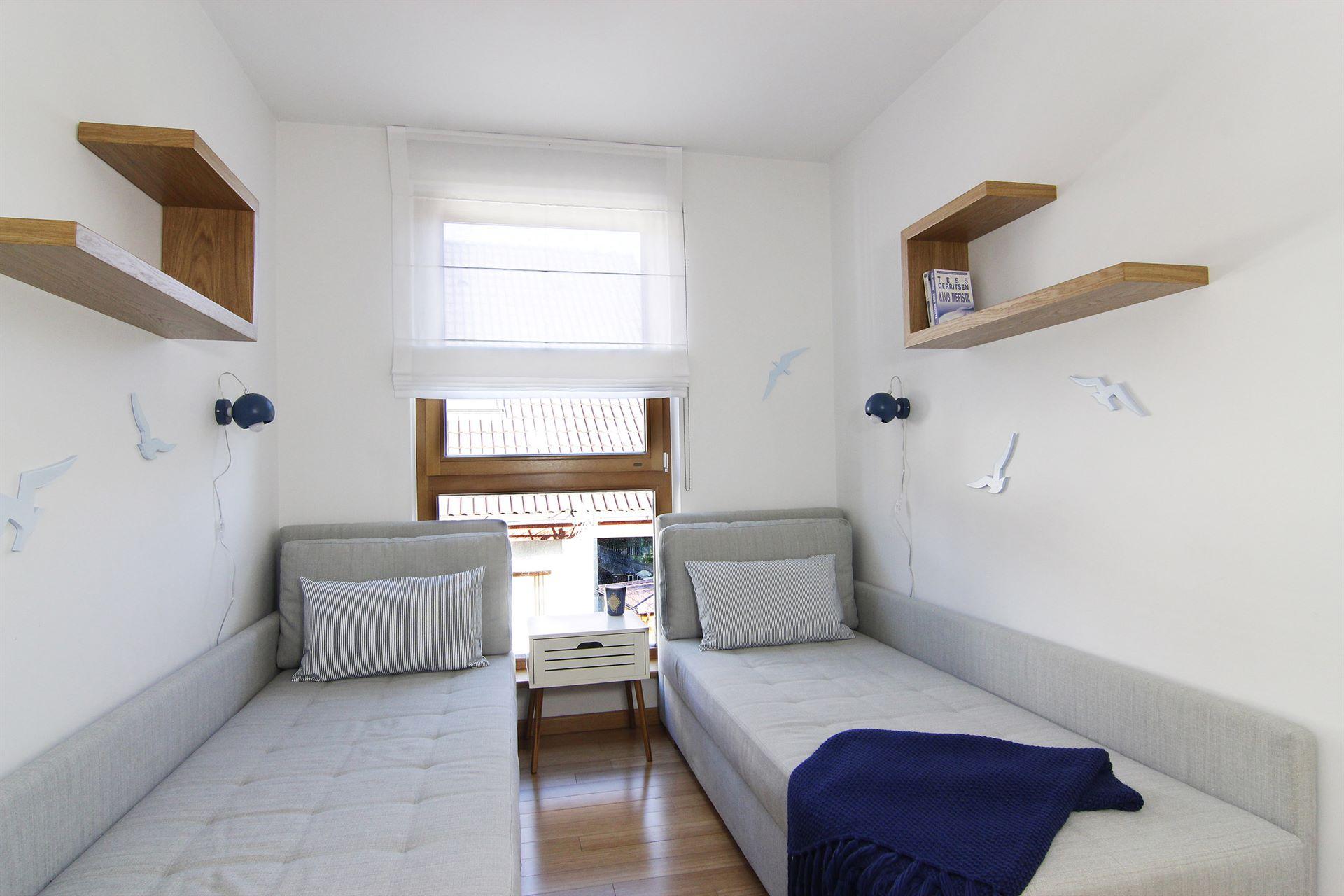 Home staging pokoju w mieszkaniu w Jastarnii