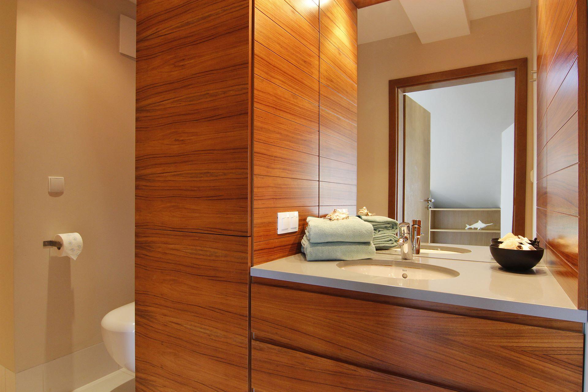 Home staging łazienki w mieszkaniu w Jastarnii