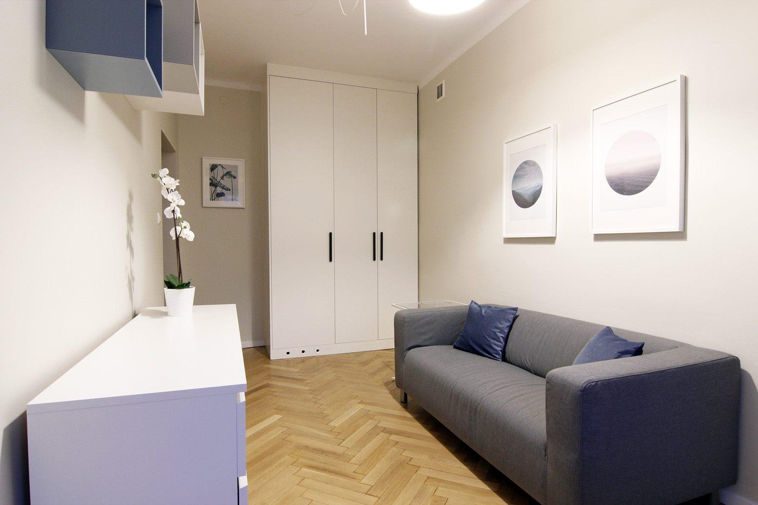 Home staging salonu w mikroapartamencie w Warszawie