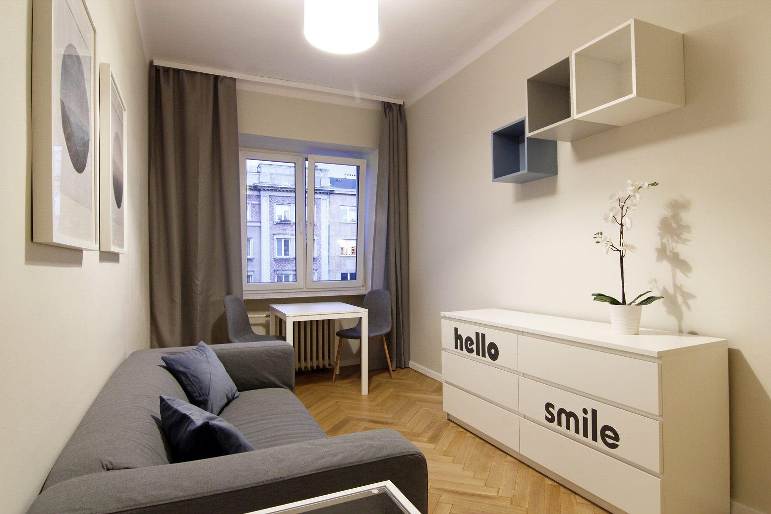 Home staging pokoju w mikroapartamencie w Warszawie