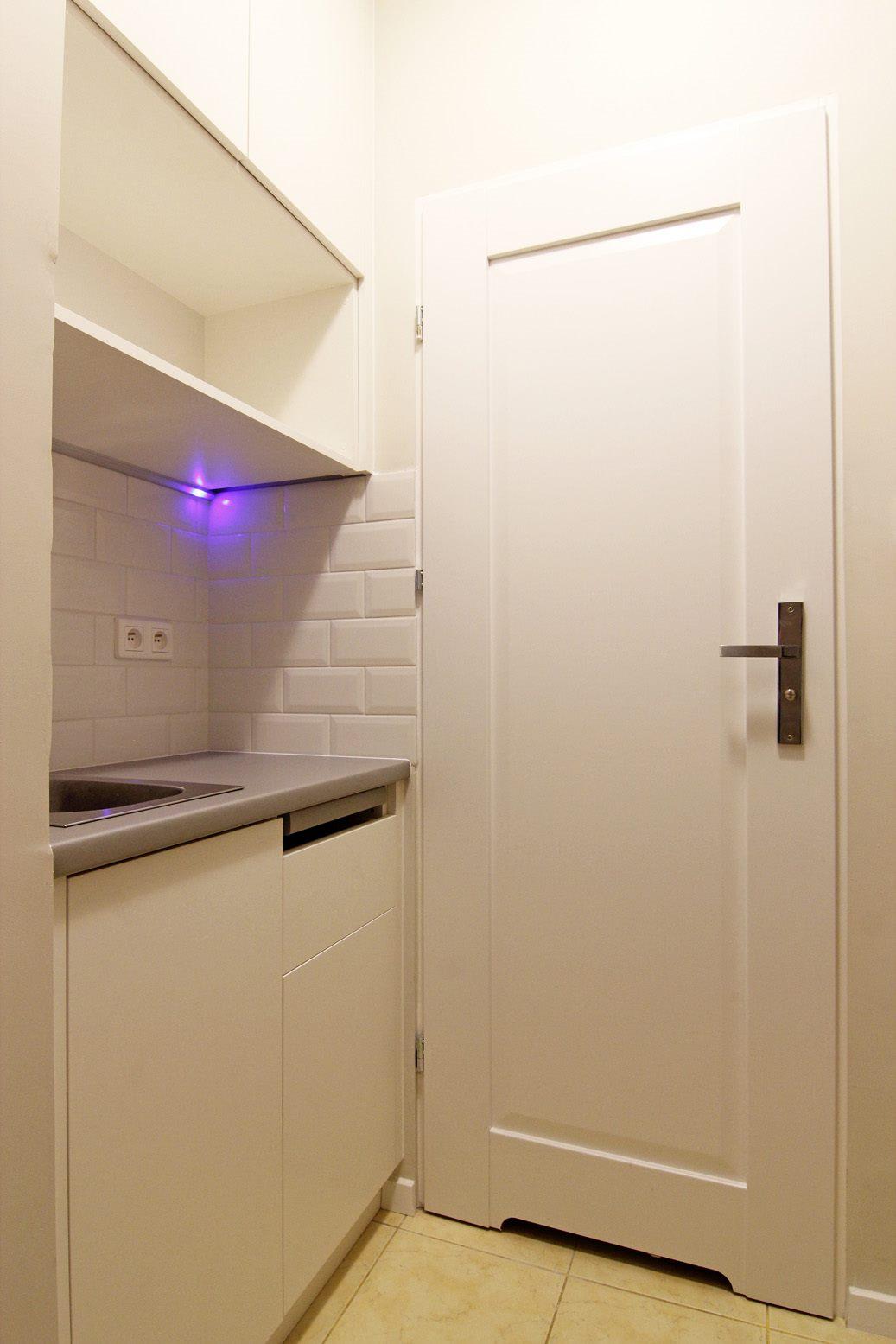 Home staging kuchni w mikroapartamencie w Warszawie